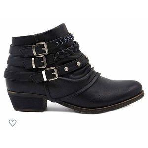 Size 7 Black Booties